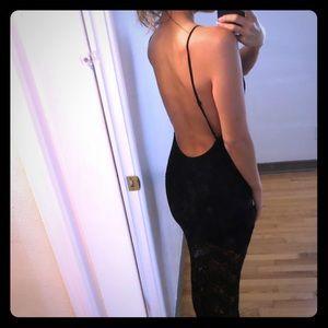 Open back lace maxi dress